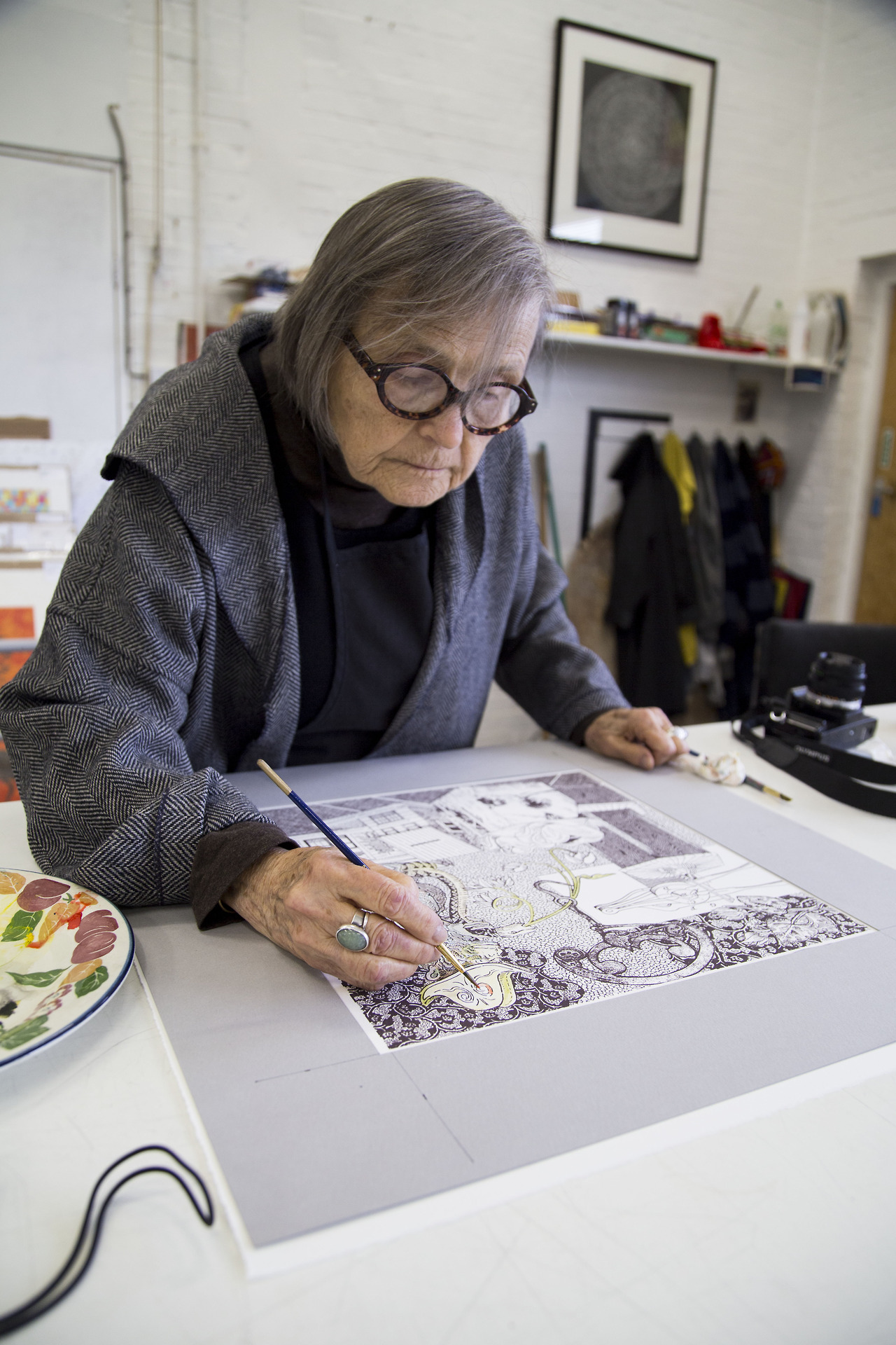 Lanyon working on her last print. Photo: Tom Milton, © The Print Studio