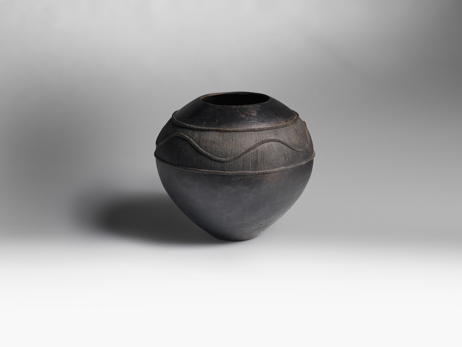 A Zulu Master Potter Debuts In Chicago